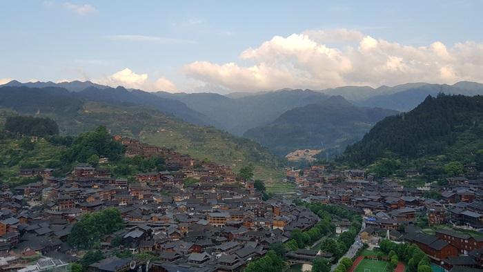 หมู่บ้านม้งพันครอบครัว เมืองซีเจียง